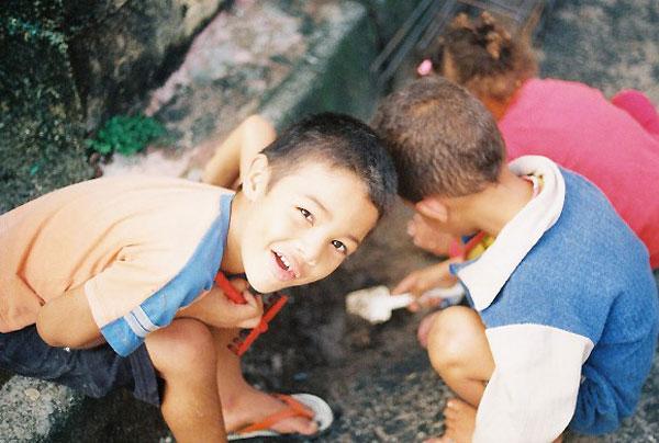 Ребенок в летнем лагере