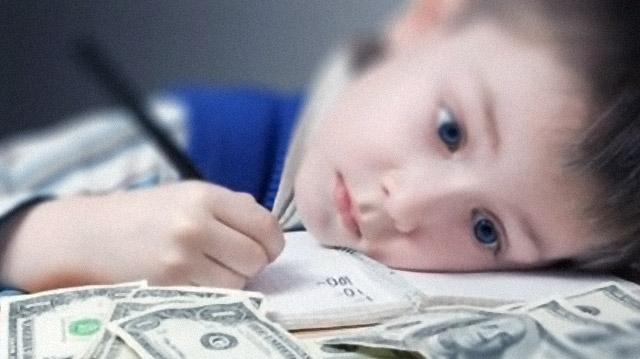 Нужно ли платить ребенку за оценки