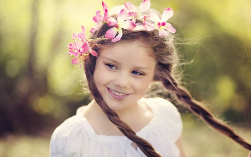 mood-girl-child-smile-wreath-flowers-800x500[1]