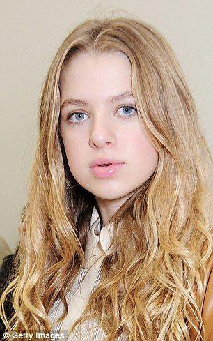 15-letnyaya-Anais-Gallaher-kopiya-svoego-ottsa-osnovatelya-gruppy-Oasis-Noelema-Gallahera1