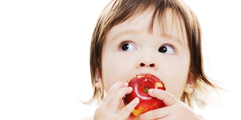 content_o-toddler-eating-facebook