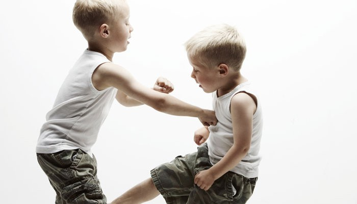 agression-children-700x400