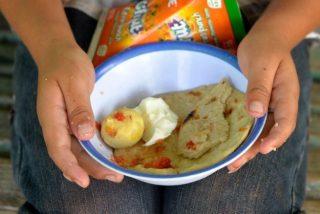 gvatemala-yajtso-pomidor-lepeshka-i-fruktovyj-sok-625x417