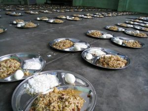 indiya-ris-s-tvorogom-sambar-i-sladkij-desert-rasagula-625x469