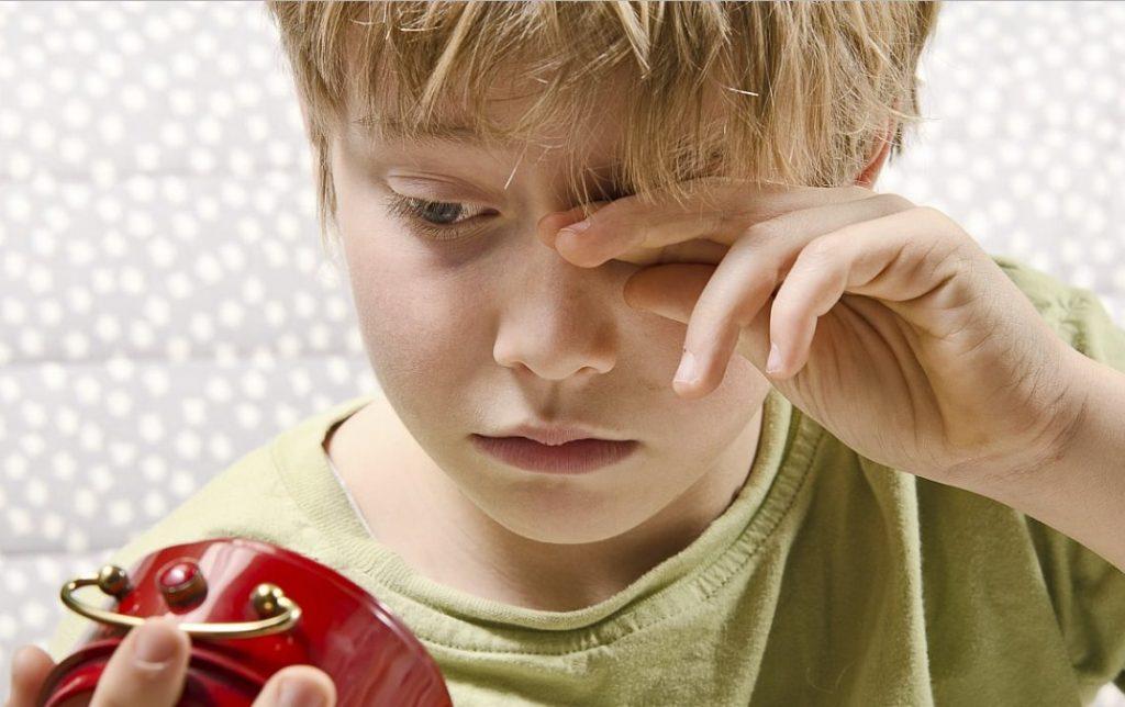 Ребенок постоянно все забывает и часто везде опаздывает? Пора предпринимать меры!