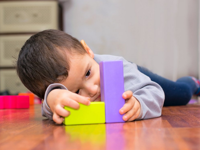 Как возраст матери влияет на вероятность возникновения у ребенка аутизма?