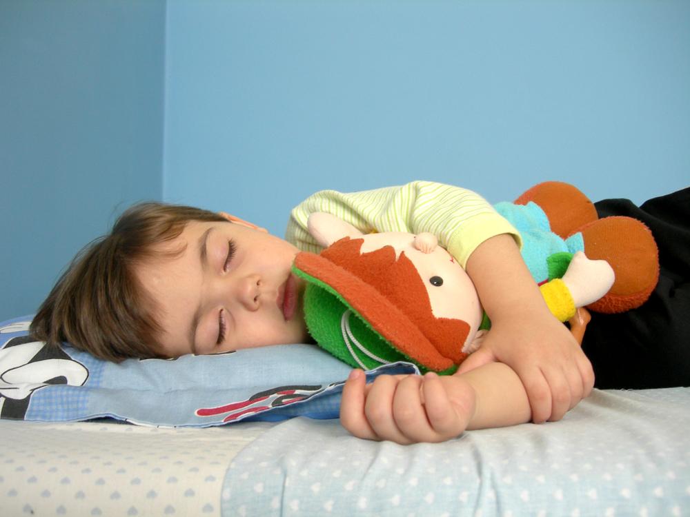 Помогите ребенку спокойно заснуть с помощью 3 простых упражнений!
