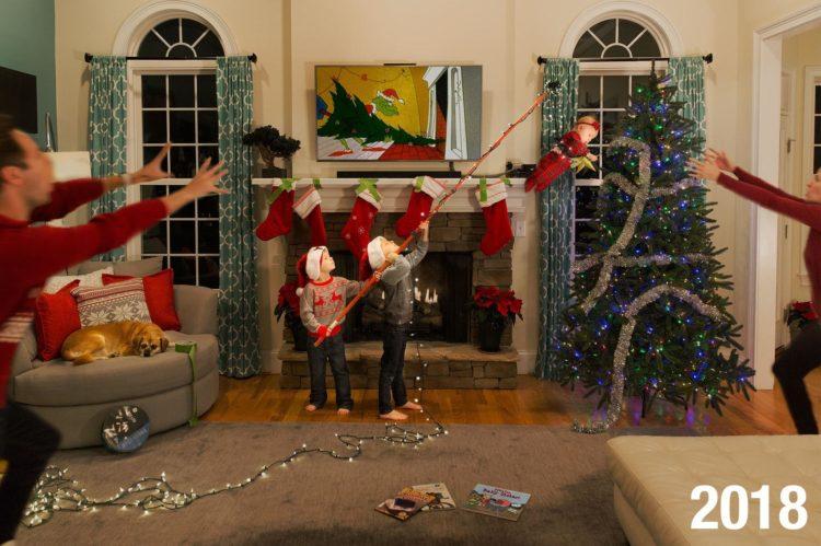 Это самые достоверные рождественские фото в семьях с маленькими детьми!