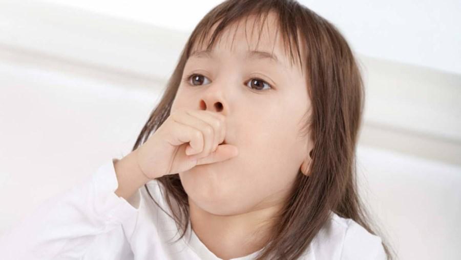 Дети в холодную погоду часто кашляют, и это способ для родителей узнать, является ли кашель симптомом опасных заболеваний!