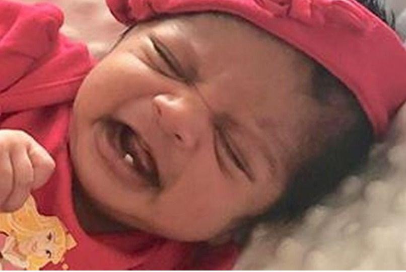 Женщина удивилась и не поверила своим глазам, когда увидела «странный предмет» во рту новорожденного ребенка!