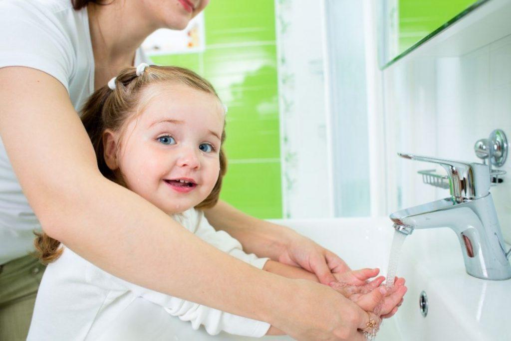 «Золотые» правила, которые защищают здоровье ребенка в сезон простуд!
