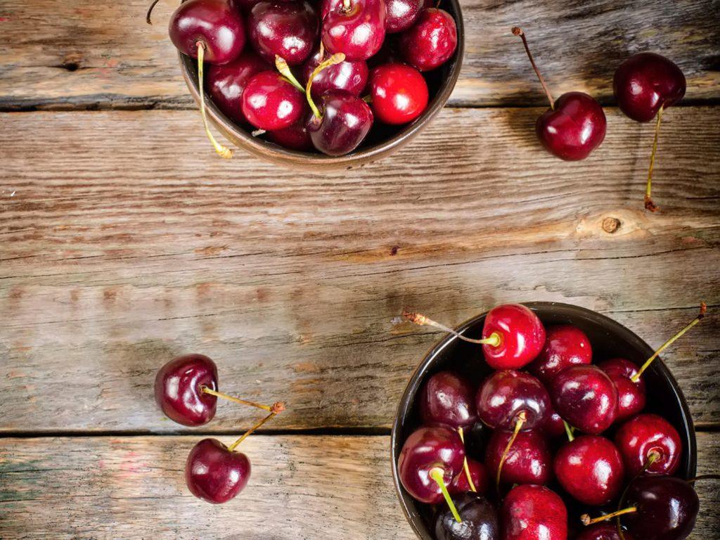 Есть ли продукты, которых следует избегать во время кормления грудью?