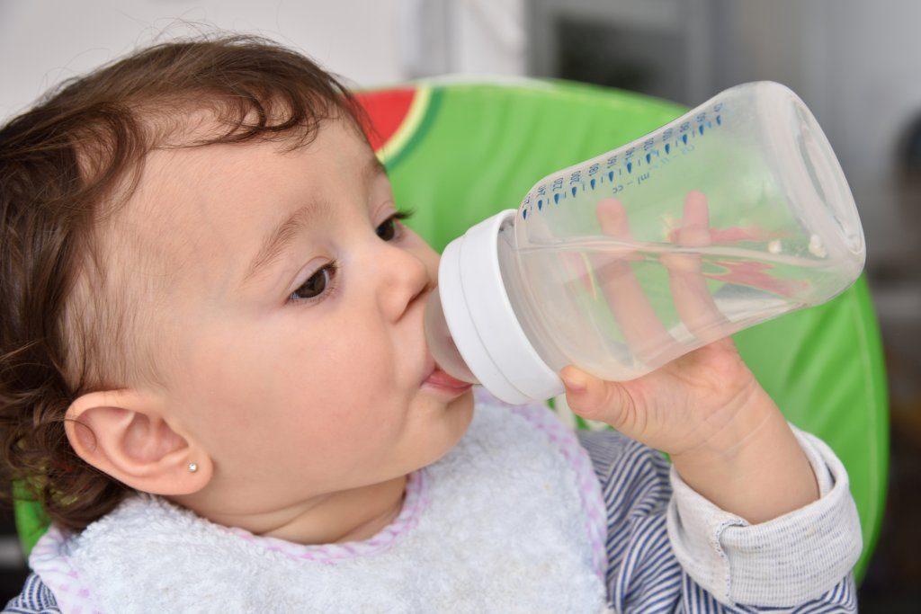 5 способов быстрого снижения температуры у детей без приема лекарств!