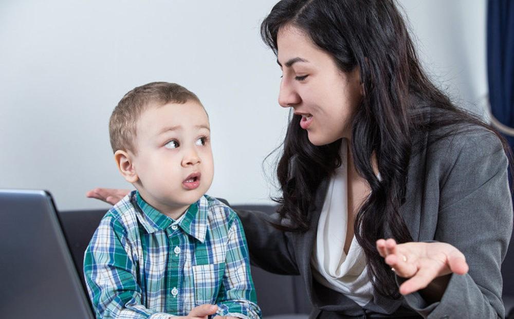 Эксперты указывают на 8 ненужных вопросов, которые большинство родителей часто задают своим детям!