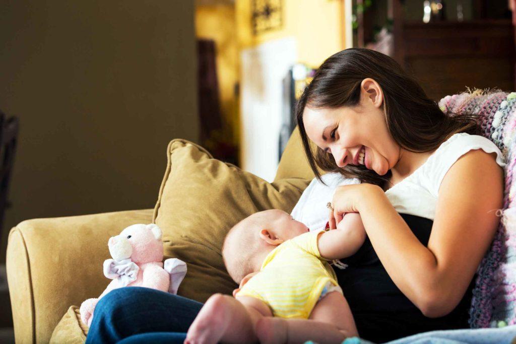 Грудное вскармливание — самая простая вещь в мире, но есть матери, которые делают классические ошибки!