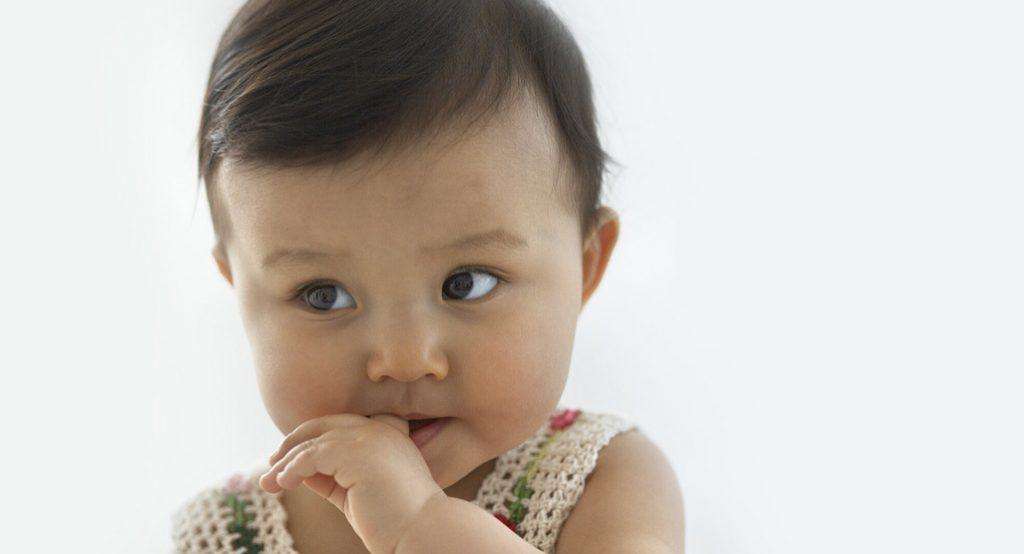 Управление по контролю за продуктами и лекарствами предупреждает родителей: остерегайтесь прорезывателей для зубов в виде ожерелья!