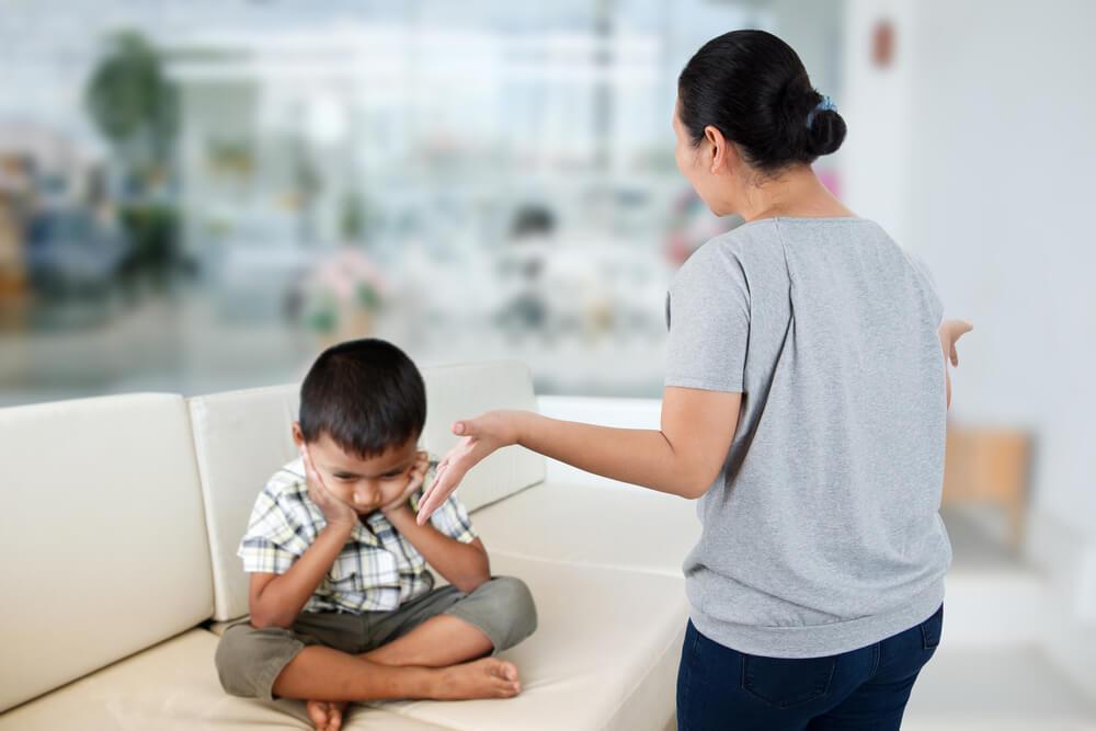 Рекомендации для мам: 4 супер эффективные методики, помогающие «вылечить» истерику ребенка в общественных местах!