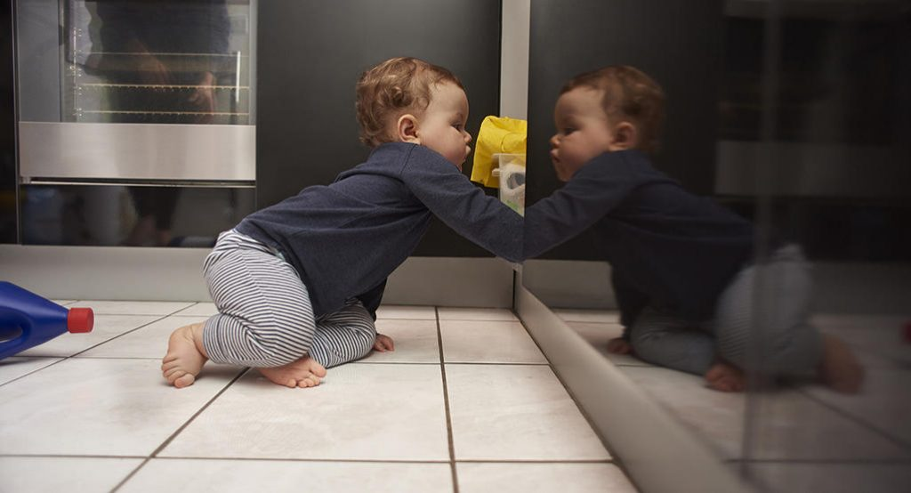 Контрольный список по защите детей: до того, как ваш ребенок научится ползать!