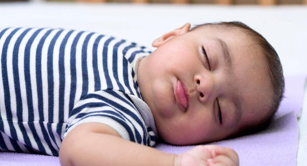 Когда мой ребенок перестанет нуждаться в дневном сне?