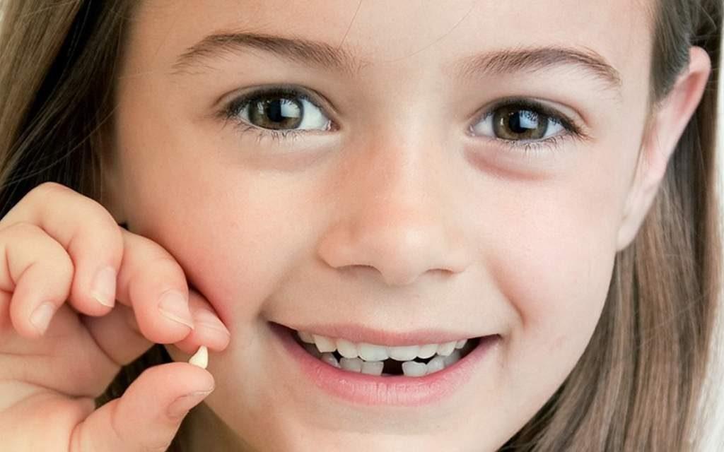 Смена молочных зубов: что ожидать и когда!