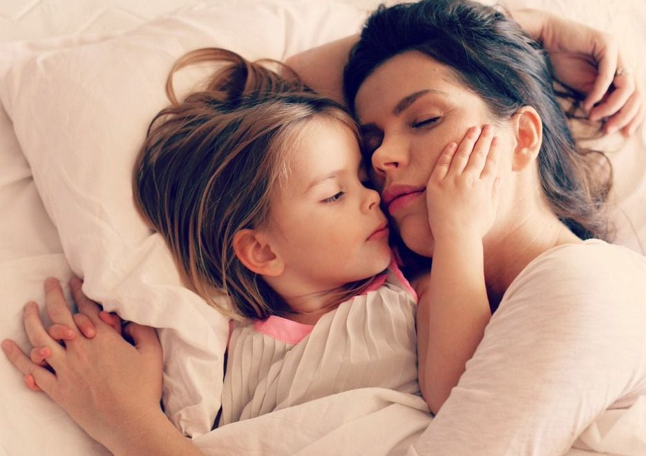 К вашему сведению: вы не одинокая мама, если вы замужем!