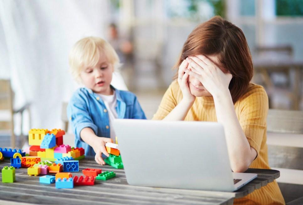 Работающие мамы испытывают на 40 процентов больше стресса, чем другие люди!