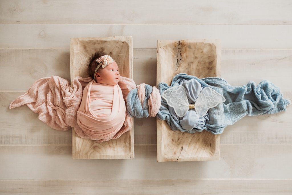 Эта фотография новорожденного передает потерю таким красивым и мощным способом!