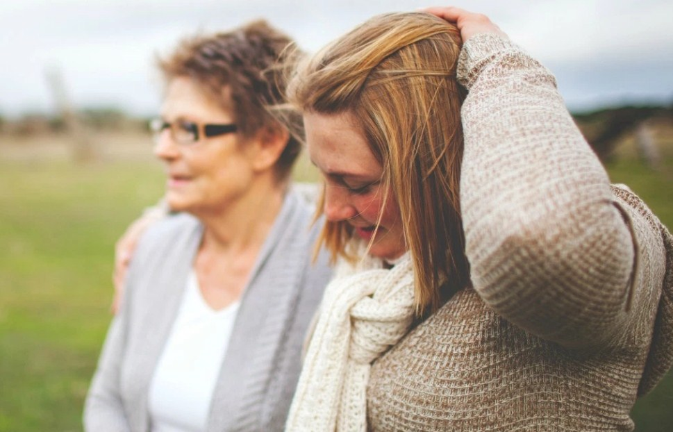 Я ценю свою маму, но мне все еще нужно защищаться от ее «вредного» поведения!