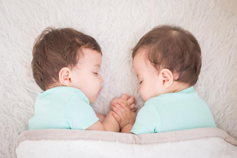 Бог подарил мне близнецов!