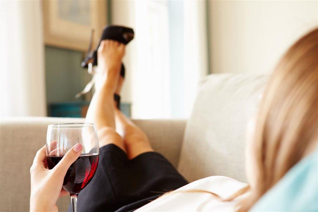 Пей до дна! Бокал вина перед сном может помочь избавиться от лишних килограмм!