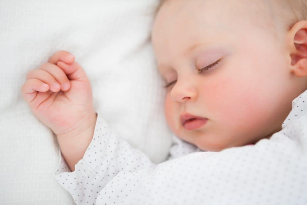 Строгое соблюдение режима сна для ваших детей имеет научные преимущества, включая ваше собственное психическое здоровье!