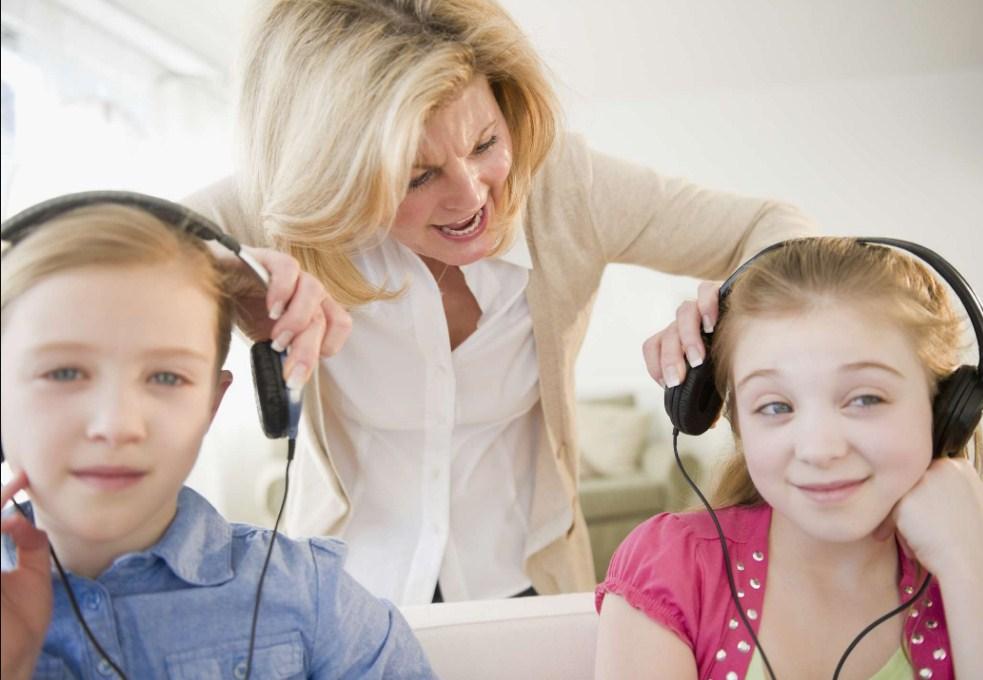 Почему наш дошкольник так дерзок и как мы можем заставить его слушаться?