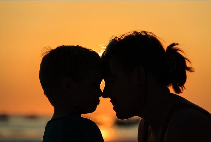 «Быть матерью сына – это как будто кто-то расстается с вами очень, очень медленно…»