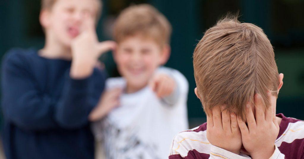 Ребенка дразнят? Эти техники помогут справиться с проблемой